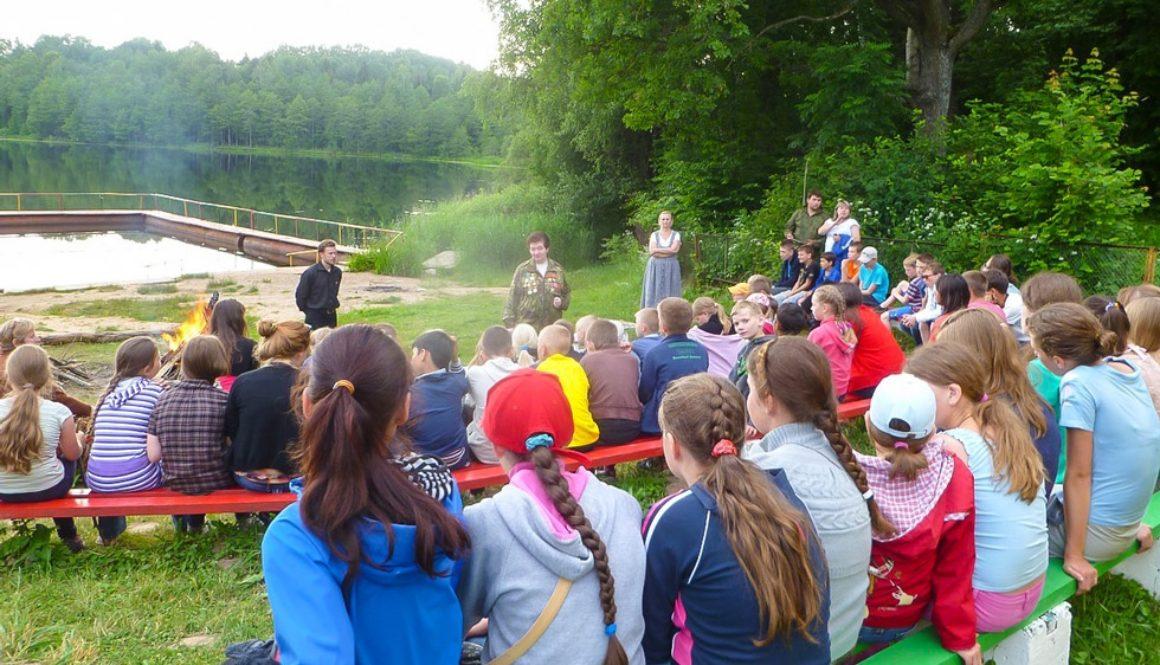 Православный лагерь «Дружба» приглашает детей отдохнуть на берегу Бернского озера в 2017 году