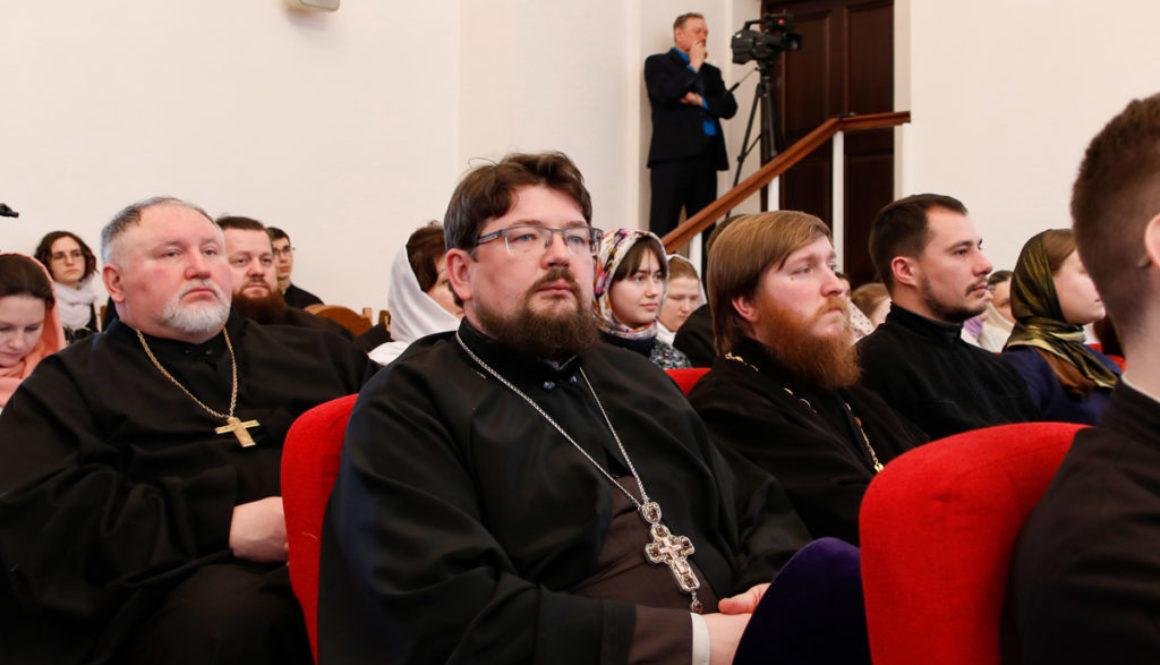 Настоятель Воскресенского храма принял участие в торжествах по случаю актового дня Минской духовной семинарии