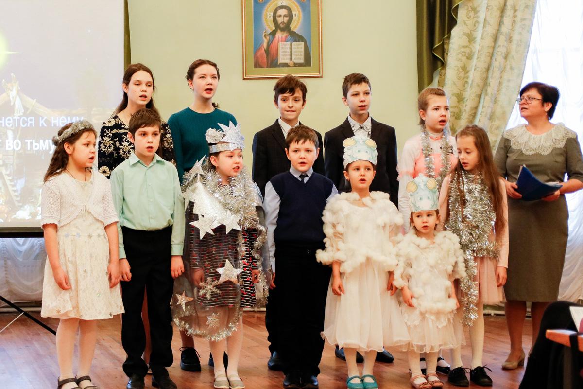 В актовом зале Витебской духовной семинарии прошел утренник, посвященный празднику Рождества Христова