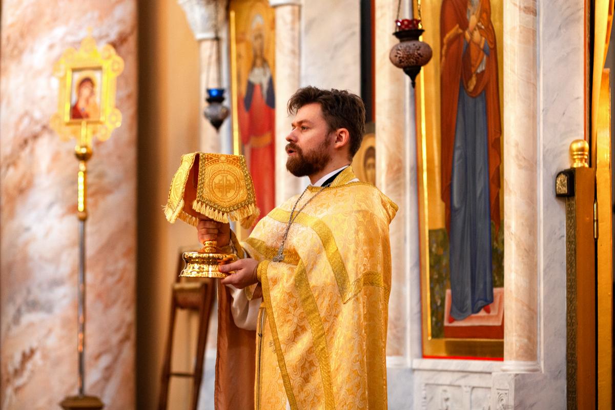 Литургия в день памяти святого великомученика Димитрия Солунского