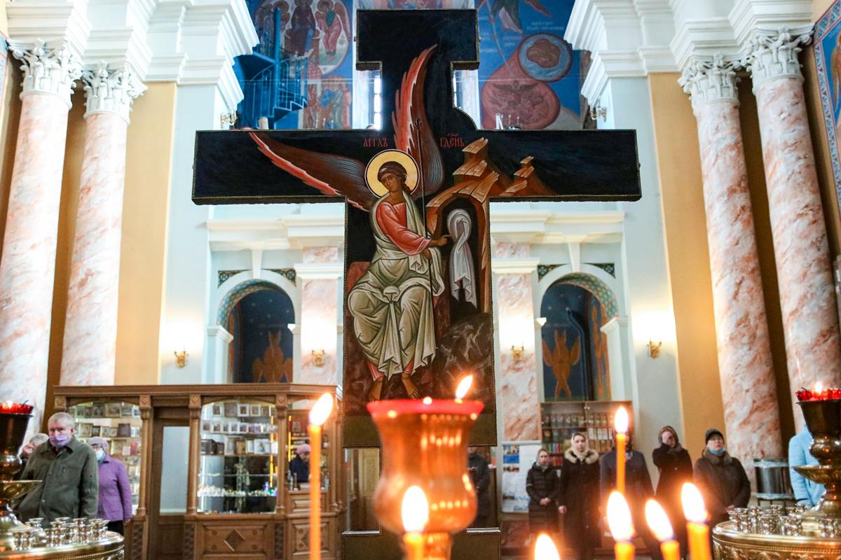 В канун понедельника 4-й седмицы Великого поста первый проректор семинарии совершил Пассию в храме Воскресения Христова города Витебска
