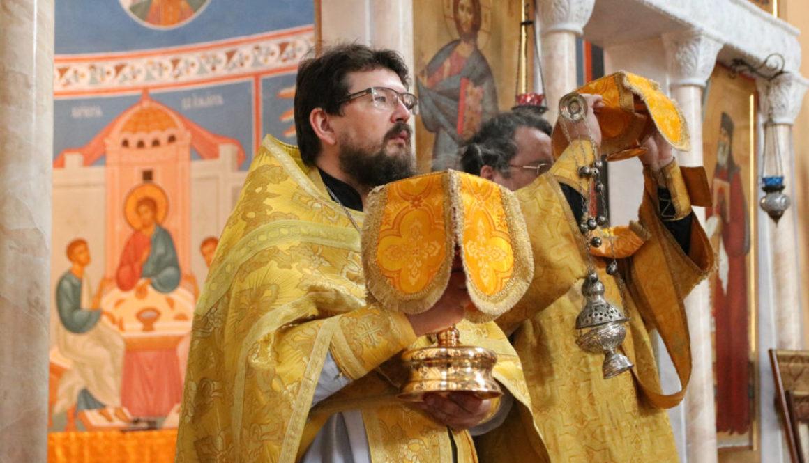 В Неделю 5-ю по Пятидесятнице настоятель совершил Литургию в храме Воскресения Христова города Витебска